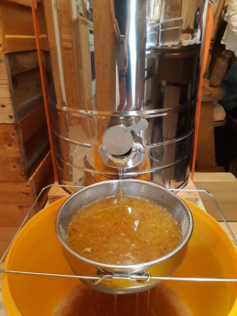 12 Honig rinnt - welche Freude!